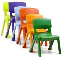 Kunststof tafels en stoelen